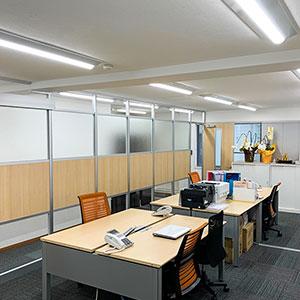 オーファ名古屋営業所事務室